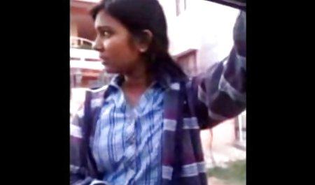 પાતળી સ્ત્રી હાથ થી ચોદવુ - Snapchat પોર્ન શો 1