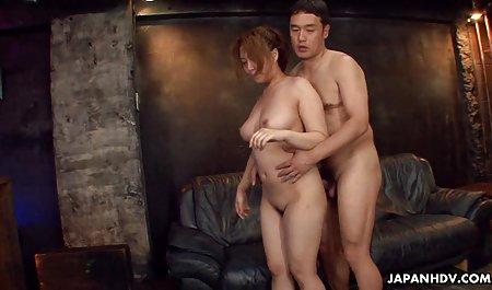 તણાવપૂર્ણ બોસ ગુદા મૈથુન porn લેસ્બિયન નિયંત્રણ હેઠળ બેડ પર