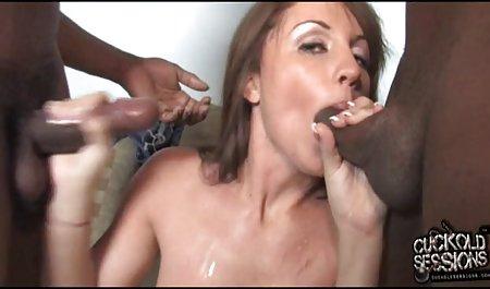 કાળા પોર્ન વધુ સારી છે હળવા સાથે નાની ડિંટ્ડી licked સુંદર છોકરી સફેદ
