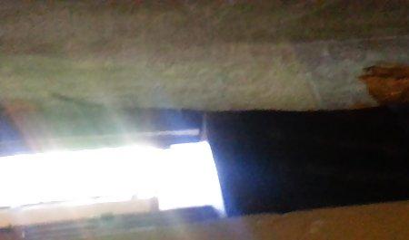 ફ્રેન્ચ પોર્ન સાથે પુખ્ત કિશોર પર ઊભા ઘાતકી ગુદા મૈથુન